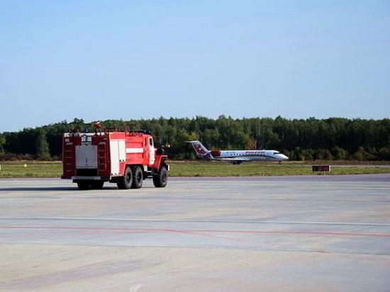 В аэропорту Воронеж вновь экстренно сел пассажирский самолет