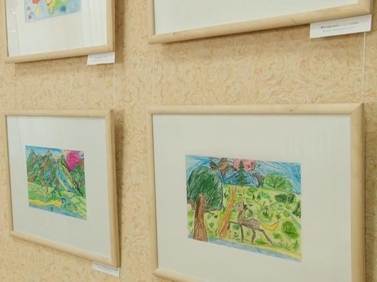 Персональная выставка необычной художницы открылась в Барнауле