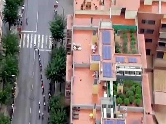 Дрон снял плантацию марихуаны на крыше во время спортивной трансляции