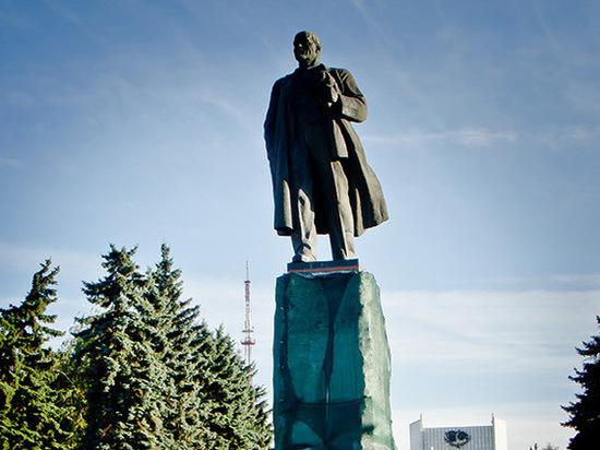 Реконструкция памятника Ленину нанесла челябинскому бюджету ущерб в 15 миллионов рублей