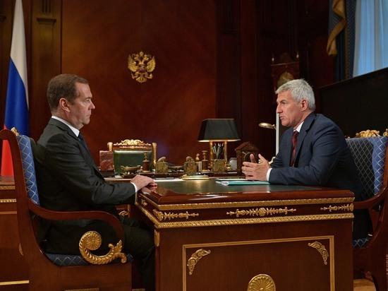Артур Парфенчиков встретился с премьер-министром Дмитрием Медведевым