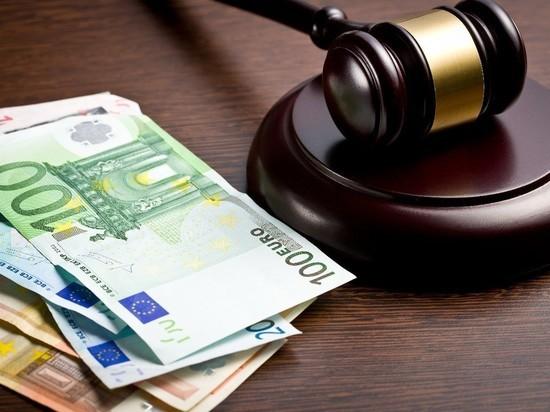 Женщину, взявшую кредит на сослуживицу, будут судить в НСО