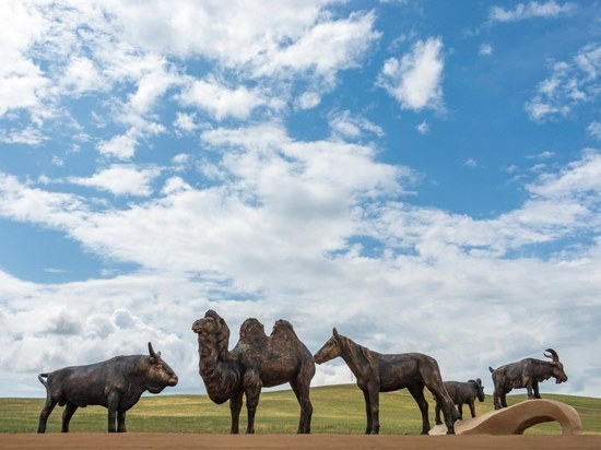 Уникальный памятник пяти домашним животным откроется в Бурятии