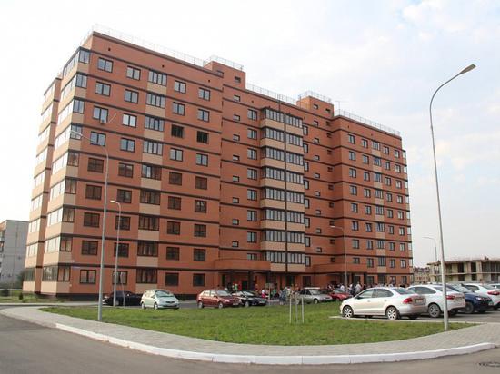 Ключи от новых квартир вручили 23 сиротам в Северском районе