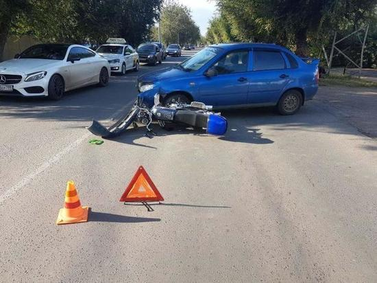 В Оренбурге на Степана Разина столкнулись «ВАЗ» и мотоцикл