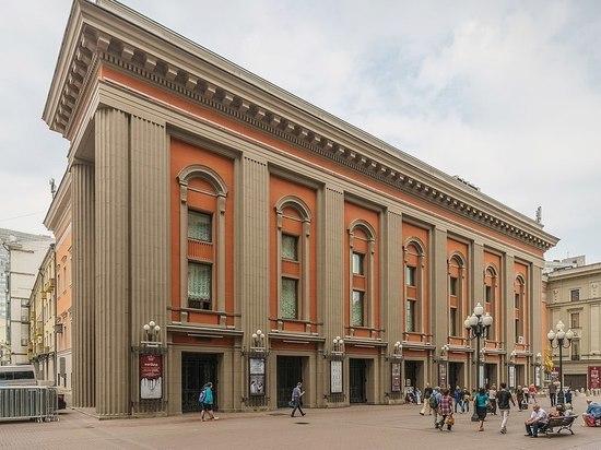Театр Вахтангова закрывает свой самый кассовый спектакль
