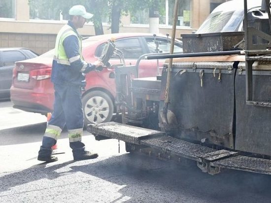 В Кирове начали ремонтировать улицу Комсомольскую