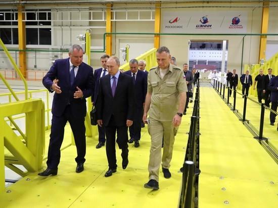Рогозин покрылся бордовыми пятнами во время визита Путина на «Восточный»