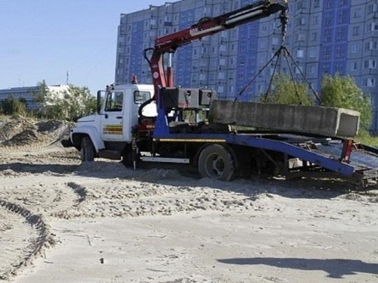 На Яграх пытаются предотвратить сползание в море многоэтажного жилого дома