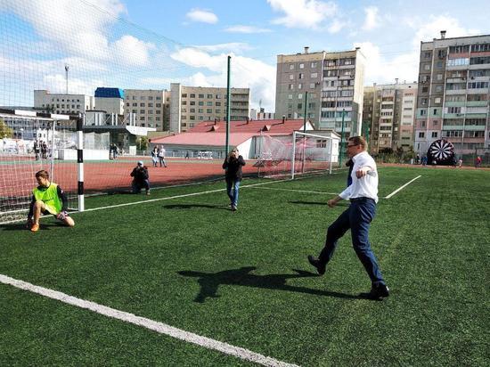 День города в Челябинске начался с фестиваля футбола на стадионе «Локомотив»