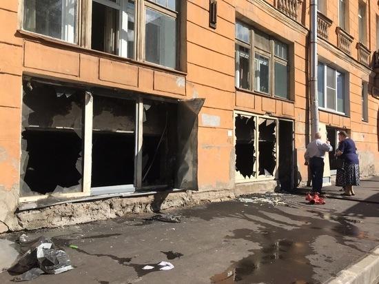 В доме на Бакунина произошел сильнейший пожар