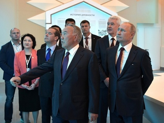 Назарбаев занятно повернул предложение Путина назвать его именем ракетный комплекс