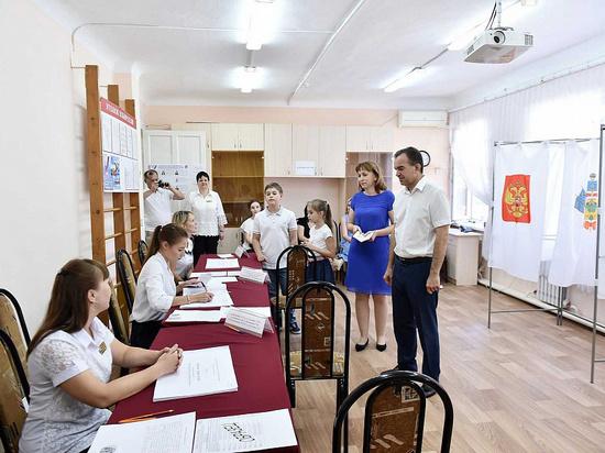 Губернатор Вениамин Кондратьев проголосовал в станице Динской
