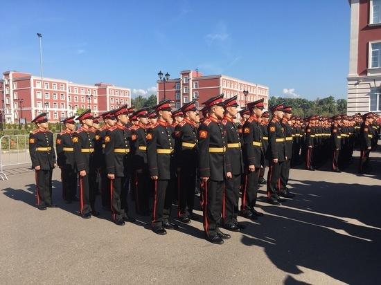 Губернатор Дюмин поздравил суворовцев с годовщиной основания училища