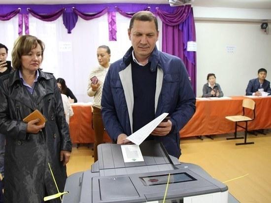 Подведение итогов выборов мэра Улан-Удэ идет в онлайн-режиме: пока лидирует Игорь Шутенков