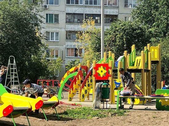 На ул. Ворошилова продолжаются благоустроительные работы