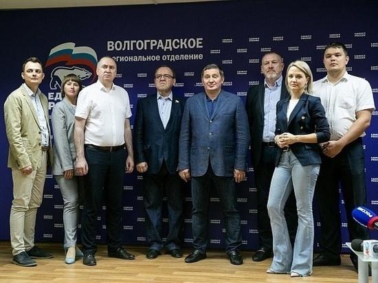 Медведев поздравил Бочарова с результатами выборов