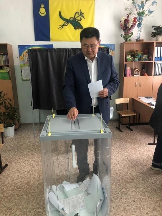 Выборы выиграл Шутенков: избирком Бурятии обработал 100 процентов бюллетеней
