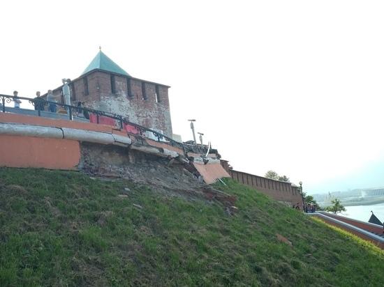 В Нижнем Новгороде обрушился участок Чкаловской лестницы