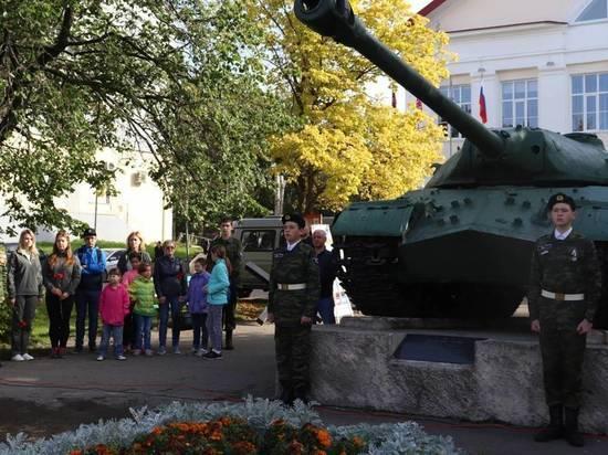 В Архангельске День танкиста отметили у гусениц «Иосифа Сталина»