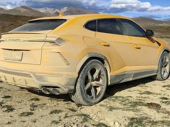 Топовые Lamborghini Urus испытали в горах Алтая