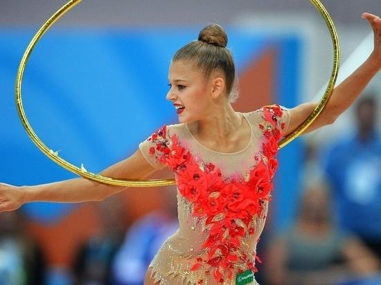 Чемпионка мира по художественной гимнастике потеряла сознание на турнире