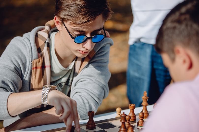 Борьба за титул и битва с роботом: шахматисты отметили День города