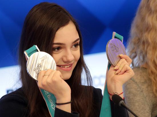 Фигуристка Медведева упала во время произвольной программы в Москве
