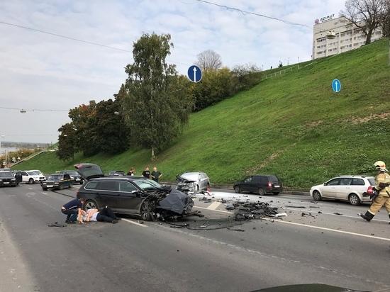 Два автомобиля столкнулись на Похвалинском съезде