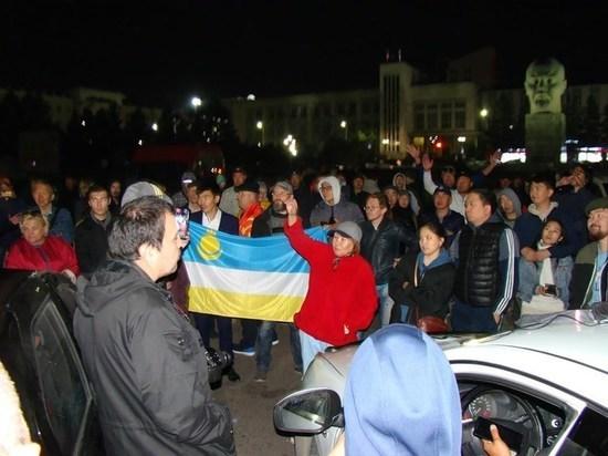 В Улан-Удэ устроили акцию протеста, которая продолжалась всю ночь