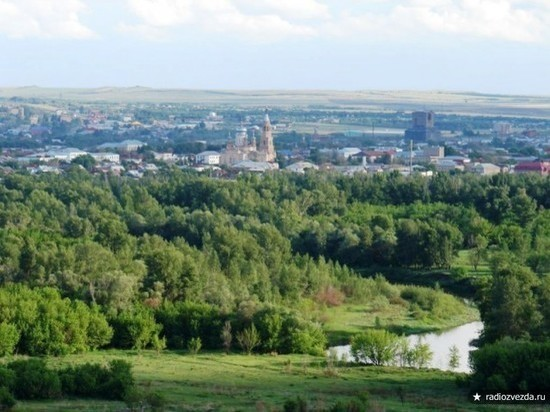 Жители Сорочинска сменили бы администрацию и дороги