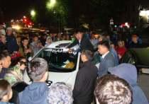 Буквально час назад в столице Бурятии задержали нескольких участников «стихийного митинга», начавшегося вчера, 9 сентября, и продолжившегося сегодня