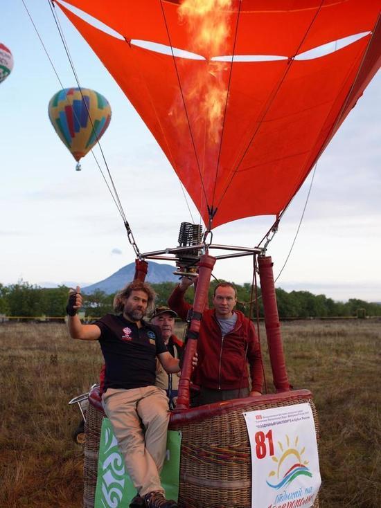 В небе над Железноводском идет битва за Кубок по воздушному биатлону