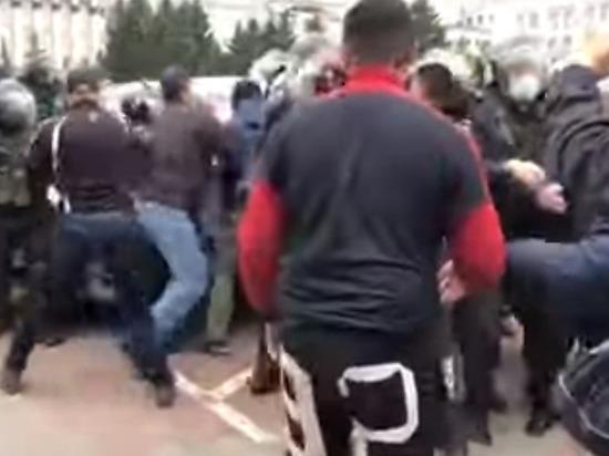 ОМОН разогнал акцию протеста в Бурятии