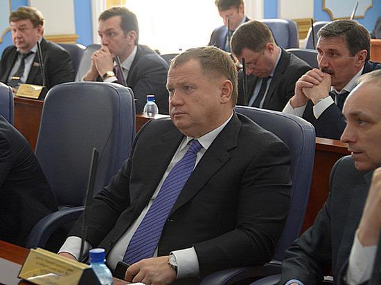 Владимир Плотников: Есть буйки, за которые нельзя заплывать