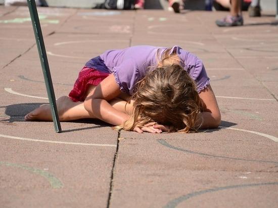 Подрастающее поколение в Донском играет на площадках советских детей
