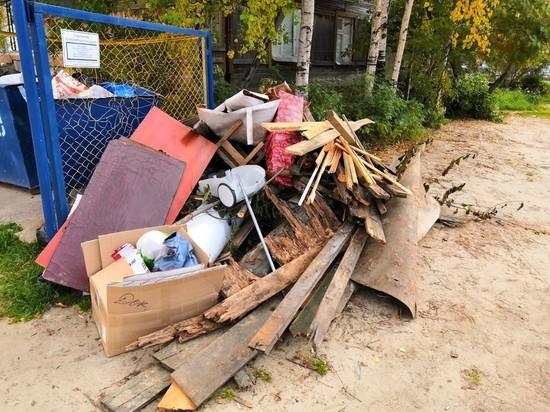 Заваленные мусором контейнерные площадки возмутили жителей Тарко-Сале