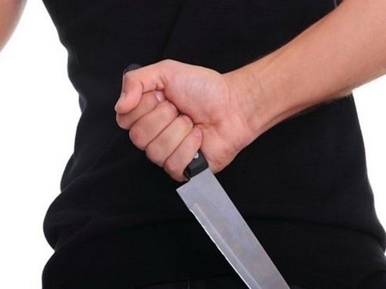Порезавшую своего брата калужанку задержали полицейские