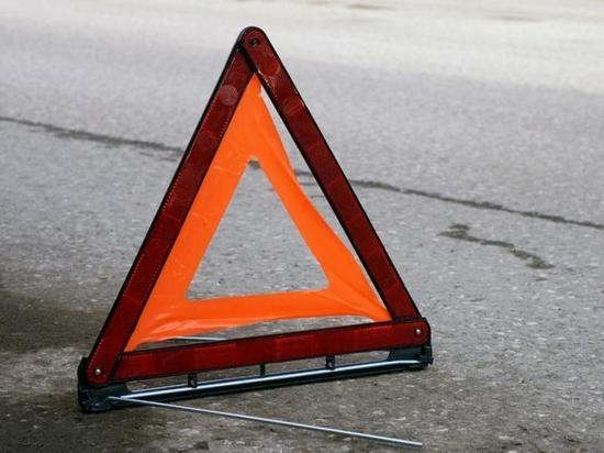 Пассажир погиб в машине забайкальца после столкновения с деревом