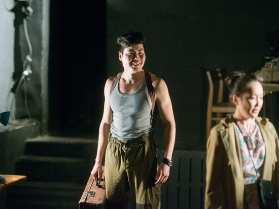 Молодежный театр Улан-Удэ покажет спектакль «Ваш Вампилов» на фестивале имени Вампилова в Иркутске