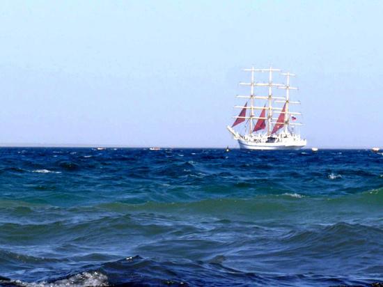 Море остывает, ветер гонит волну:  прогноз погоды в Крыму на 11 сентября