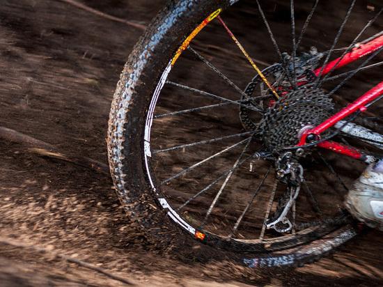 В Абакане задержан велосипедист, который нанес тяжелые увечья студентке