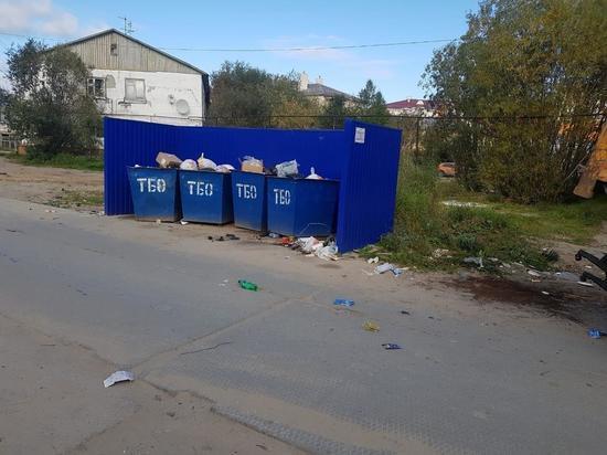 Крупный мусор вывезли с площадок в Тарко-Сале после жалоб жителей