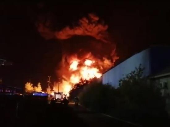 Пожар на складе ГСМ в Нижегородской области тушили несколько часов