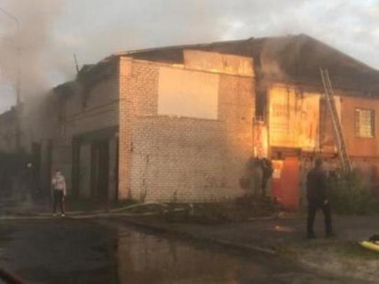 В Осинском районе горел цех деревообработки