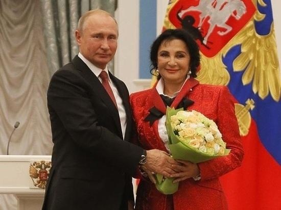 Путину посоветовали украсить дом приемов в стиле хохломы
