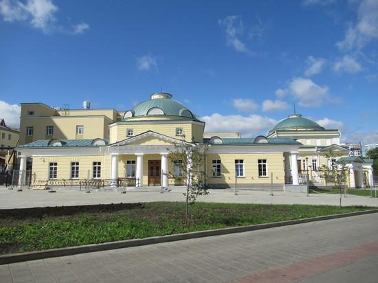Губернатору презентовали реконструкцию исторического объекта Верх-Исетского завода