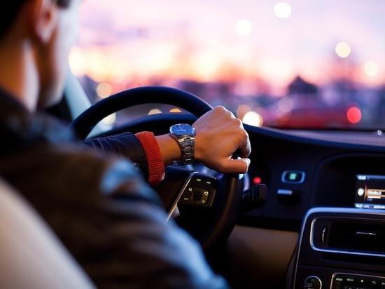 В Татарстане сотрудник ГИБДД попался на взятке от таксиста