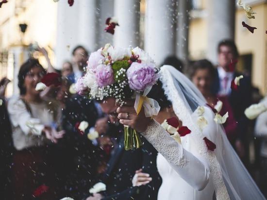 Москвичи начали жениться под музыку из «Игры престолов»