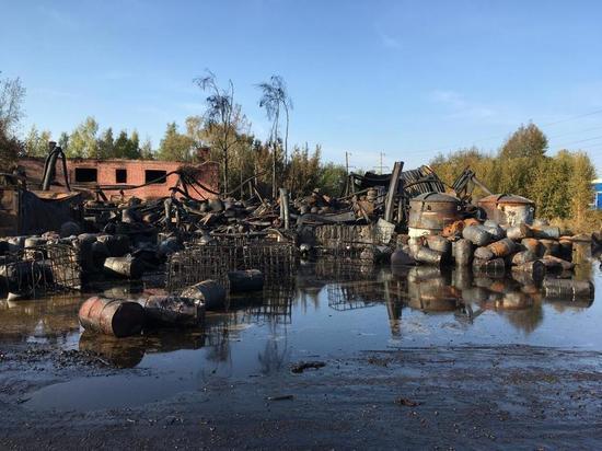 Опубликованы фото последствий пожара на складе ГСМ в Нижегородской области